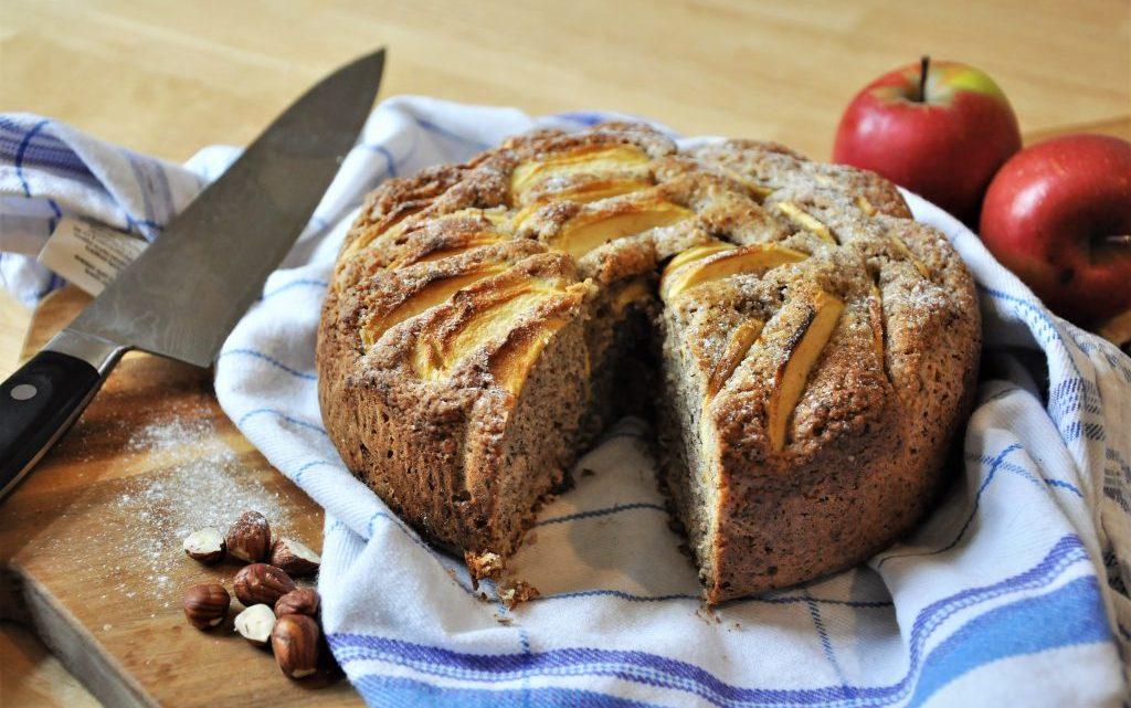 Fluffiger Apfel-Nuss-Kuchen