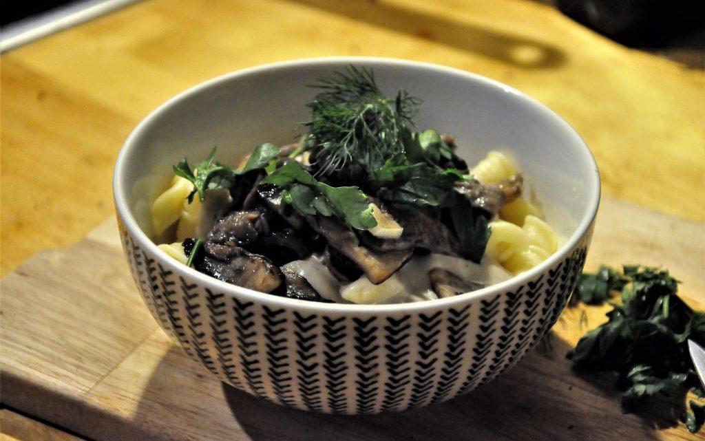 Unglaublich cremige Pilzrahmsoße für Nudeln